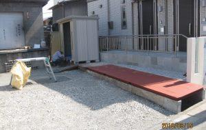 物置、水路蓋鉄板敷き等