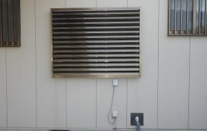 浴室窓サッシの設置