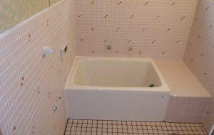 浴室タイル貼替